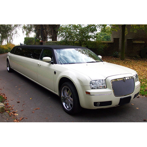 Stretchlimousine Chrysler 300c in wei�