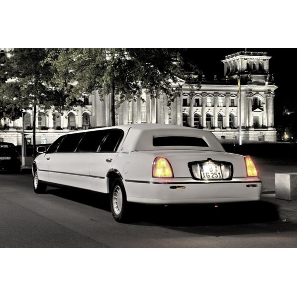 Stretchlimousine Lincoln Town Car Classic Wave in N�rnberg mieten