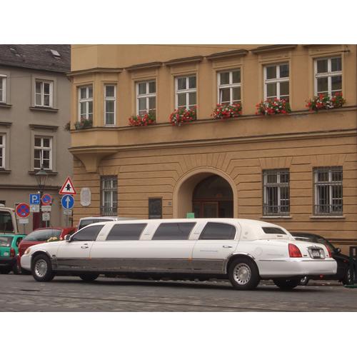 stretchlimousine lincoln mieten in m nchen augsburg. Black Bedroom Furniture Sets. Home Design Ideas
